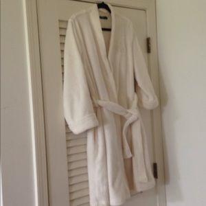 Ralph Lauren fuzzy robe size L.